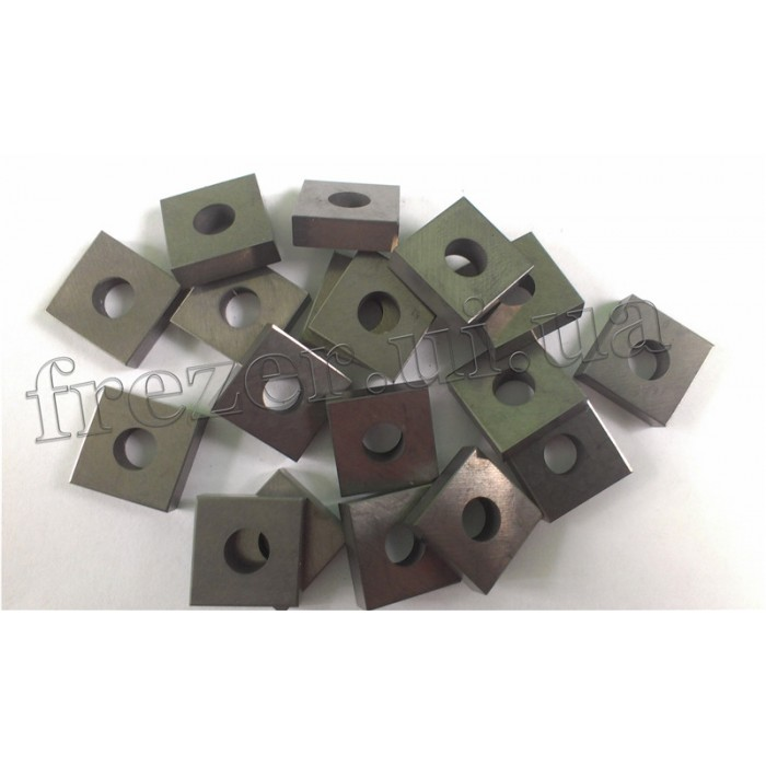 Пластина твердосплавная 03113-150412 НТН30 (15х15 мм)