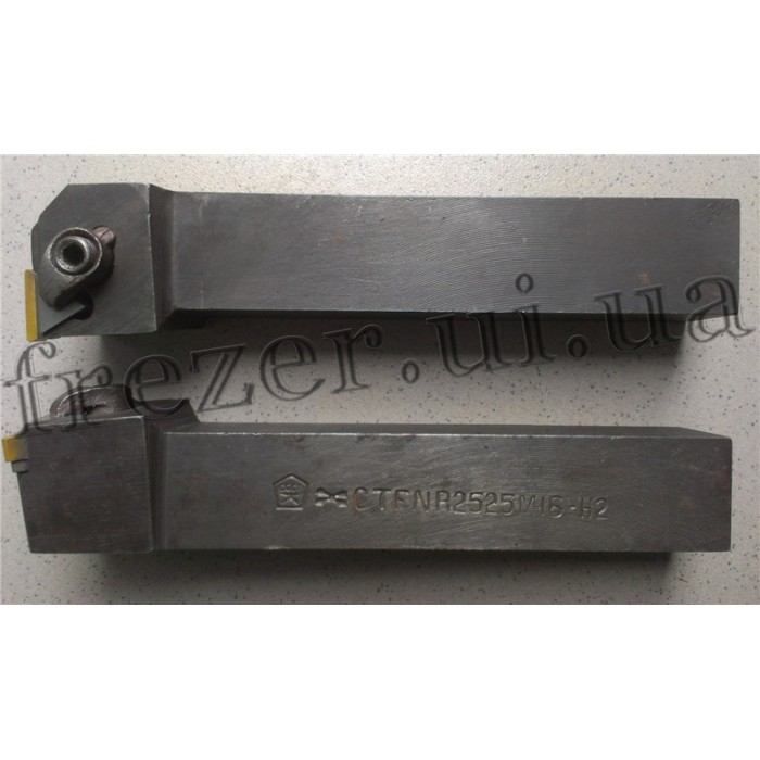 Резец проходной 25х25х150 с механическим креплением 3-ёх гранной пластины CTFNR 2525 М16-Н2